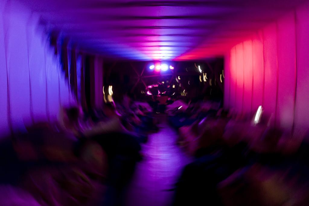 DoV-JonathanGrevsen-SleepLR15