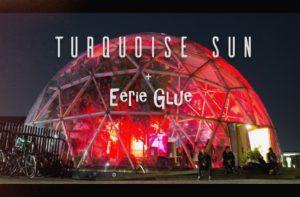 Turquise sun og eerie glue